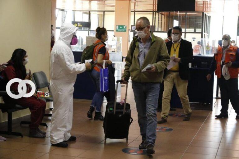 Para ingresar a Bolivia se exige presentar prueba de Covid-19 sea negativo