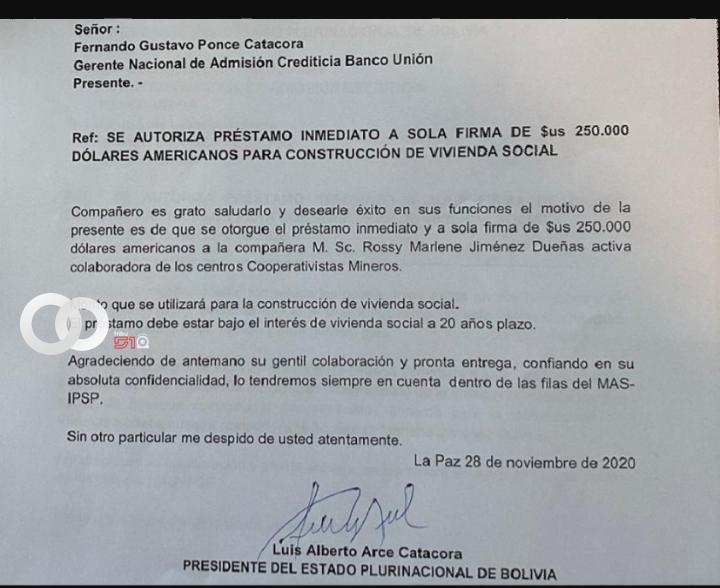 Mujer acusada por falsificación de firma presidencial declaró ante Ministerio Público