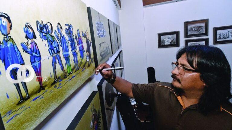 Abecor expone sus obras de arte en pintura y escultura en Santa Cruz
