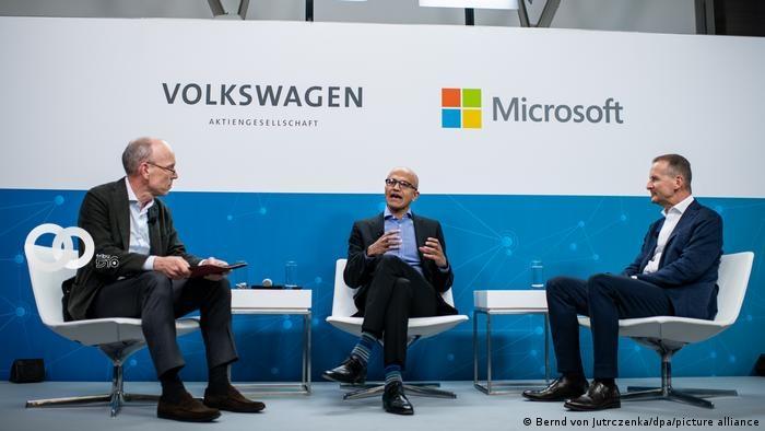 Automóviles Volkswagen y Microsoft se asocian para crear vehículos con conducción autónoma