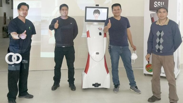 «Chaskibot» un robot que media con médicos y pacientes COVID-19 en Cochabamba