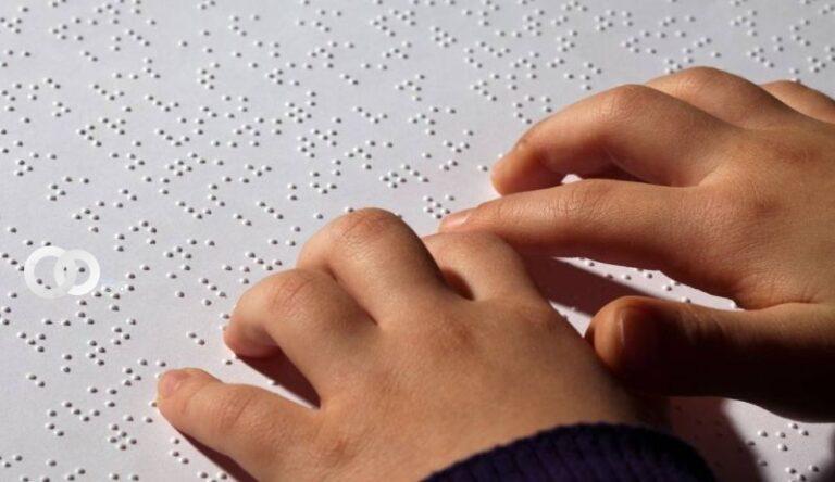Tecnología de automatización en Braille para ayudar a las personas con discapacidad visual