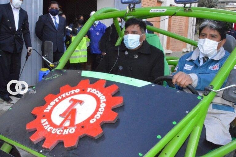 Institutos tecnológicos serán la base para reconstruir Bolivia, aseguró el Ministro de Educación