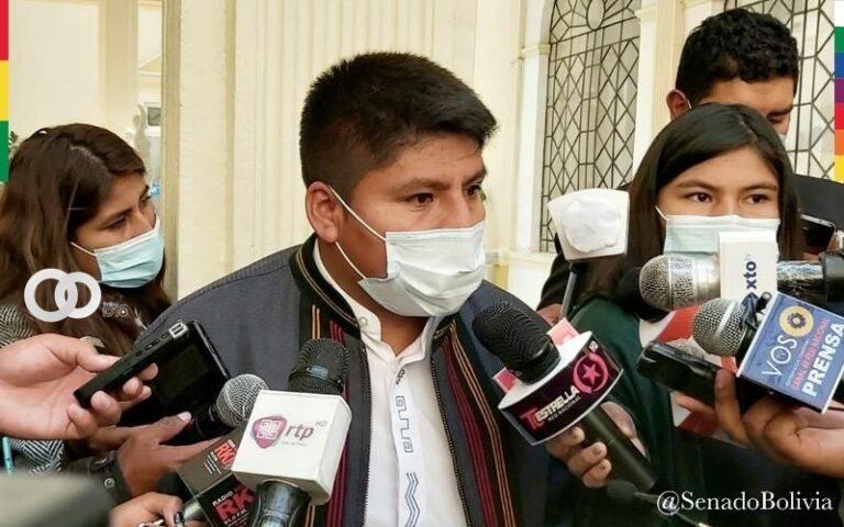 Senador Loza criticó la convocatoria a la cumbre cívica