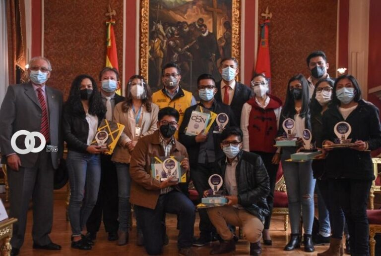 Alcaldía de La Paz premió a tres iniciativas que ayudan a prevenir la COVID-19