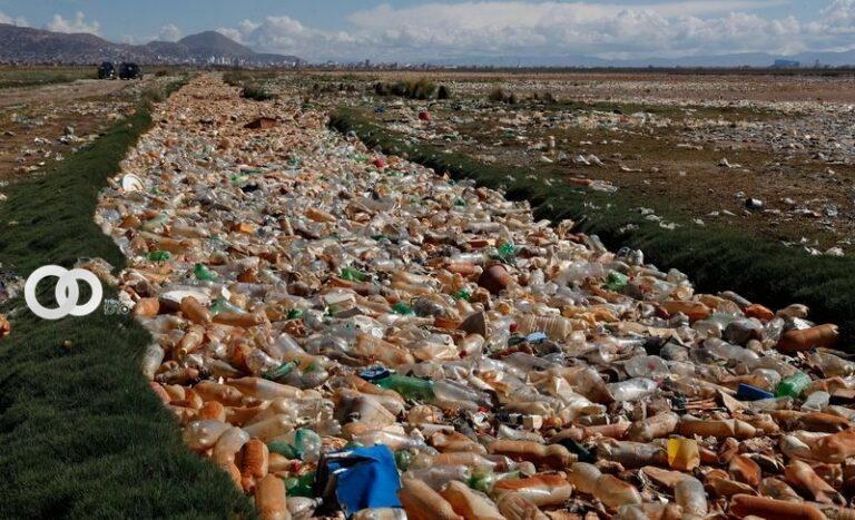 Autoridades de Oruro impulsan la campaña de limpieza del Lago Uru Uru