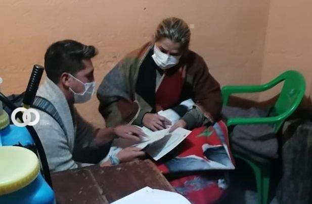 Personal médico ingresará a tomar muestras de laboratorio a Jeanine Áñez