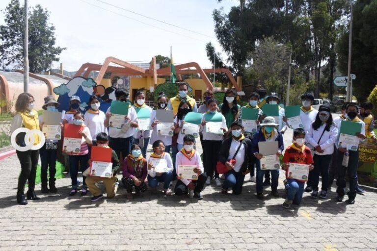 Hoy Alcaldía entregó certificados a 47 niños y adolescentes guardafaunas del Bioparque Vesty Pakos