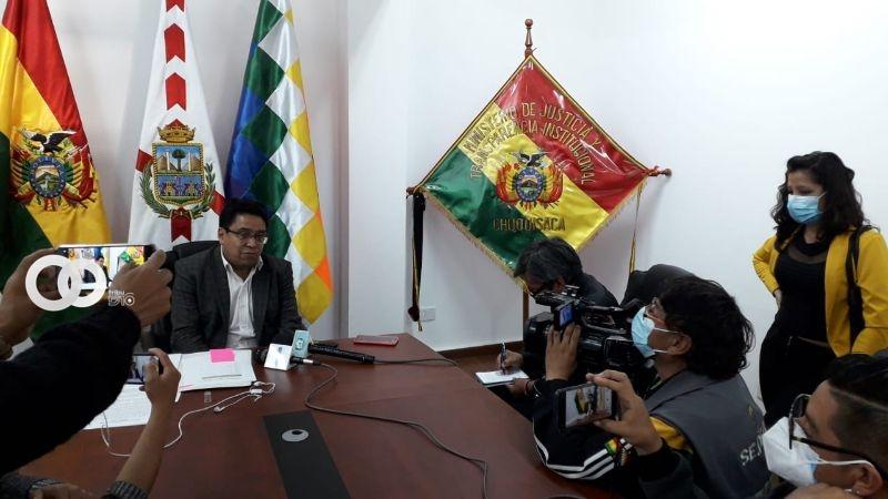 Iván Lima Magne, ministro de justicia y Transparencia Institucional, confirmó en la jornada de hoy, la aprobación de una modificación de ley que agilizará los procesos de adopción
