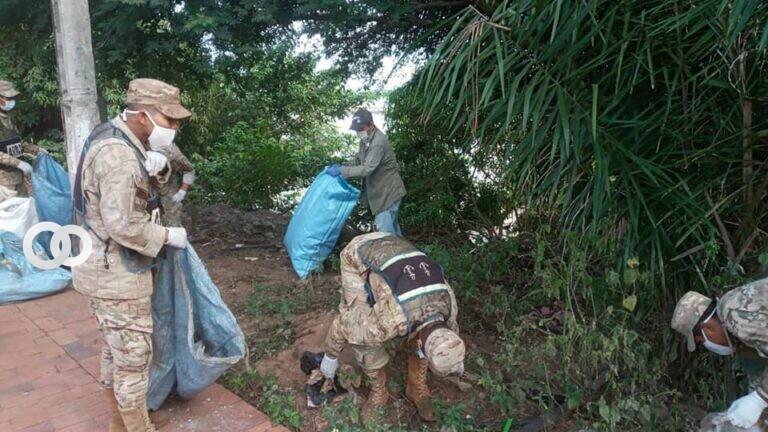 Armada Boliviana realiza y participa en la tercera jornada de limpieza en la ciudad de Riberalta
