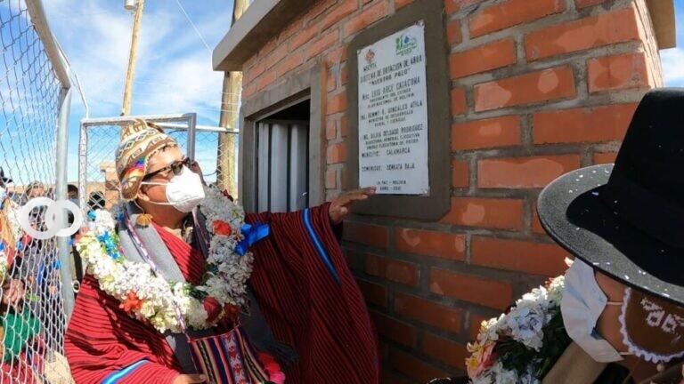 Municipio de Calamarca se beneficia con la entrega de sistemas de agua