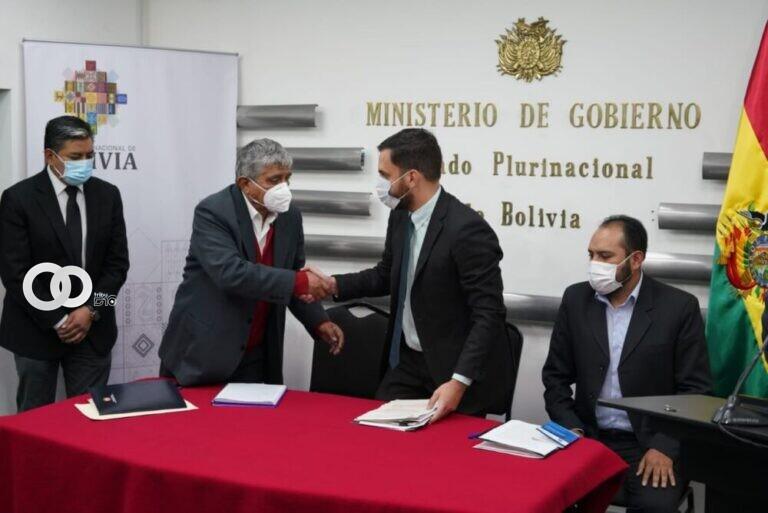 Alcaldía y Gobierno coordinan medidas para una posible cuarentena rígida en La Paz