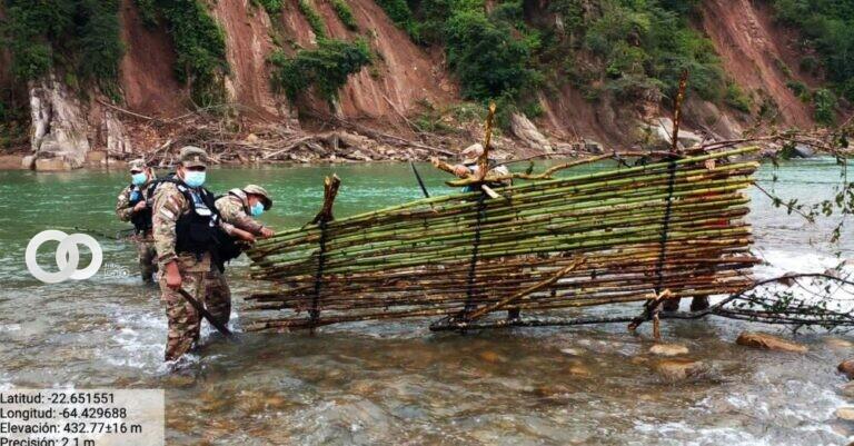 """Combatiendo la pesca ilícita proceden a destrucción de """"Chapapas"""" en Bermejo"""
