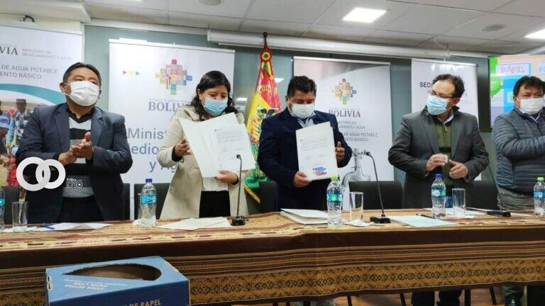 Acuerdo interinstitucional para impulsar el reciclado de papel, cartón, vidrio y residuos aprovechables