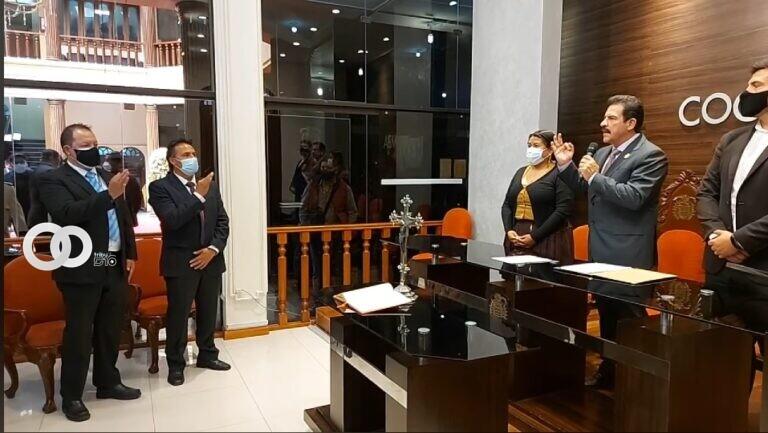 Alcalde de Cochabamba exhorta a sus funcionarios a ser puntuales y respetuosos