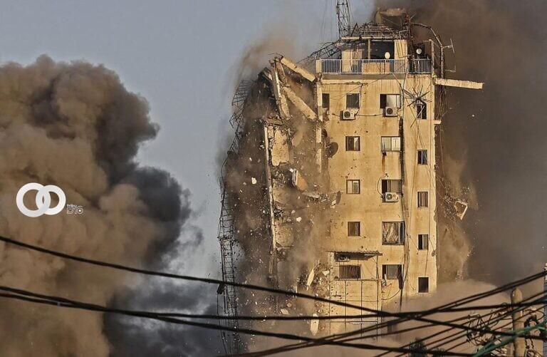 Una torre en Gaza es derrumbada en plena transmisión en vivo