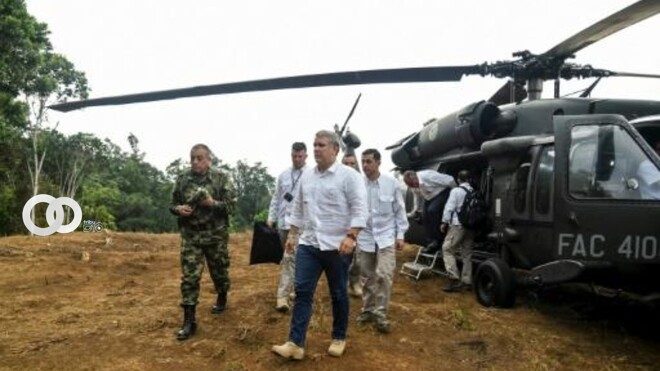"""Disparan a helicóptero en el que viajaba el Presidente de Colombia, quien lo califica de """"atentado cobarde"""""""