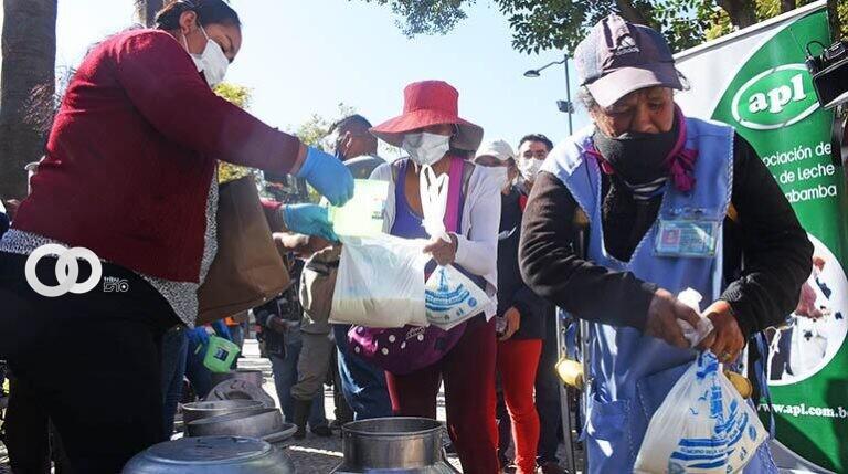 Productores de leche llegan a un acuerdo con el Gobierno y levantan bloqueos en Cochabamba