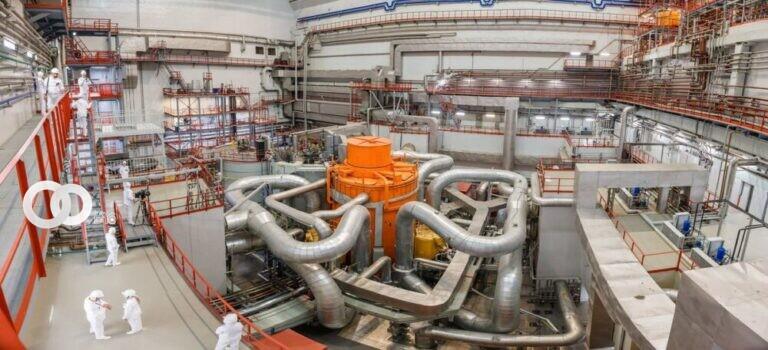 Comienza la construcción del primer reactor nuclear de nueva generación