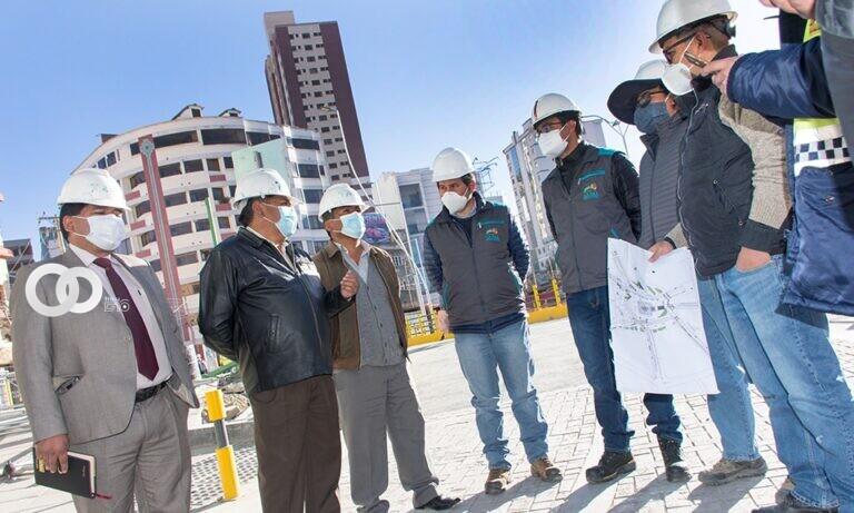 Estos lunes dirigentes del autotransporte de La Paz visitaron los viaductos Tejada Sorzano