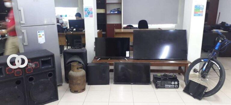 Ladrones fueron atrapados luego de que su víctima actuara de manera encubierta junto a la Policía