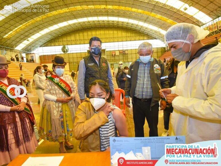 Confirman 70% de vacunados con primera dosis en La Paz