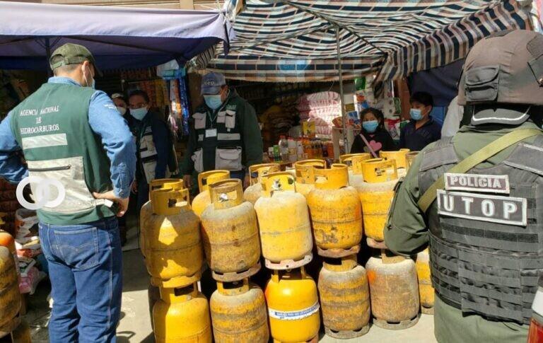 Más de 200 garrafas fueron decomisadas por la ANH y UTOP en Quillacollo