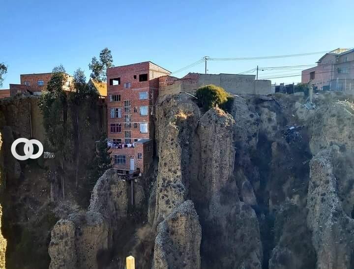 Un casa que desafía a la naturaleza en la ciudad Maravilla