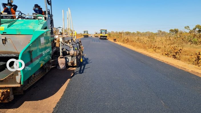 ABC Coloca asfalto en carretera Rurrenabaque – Riberalta