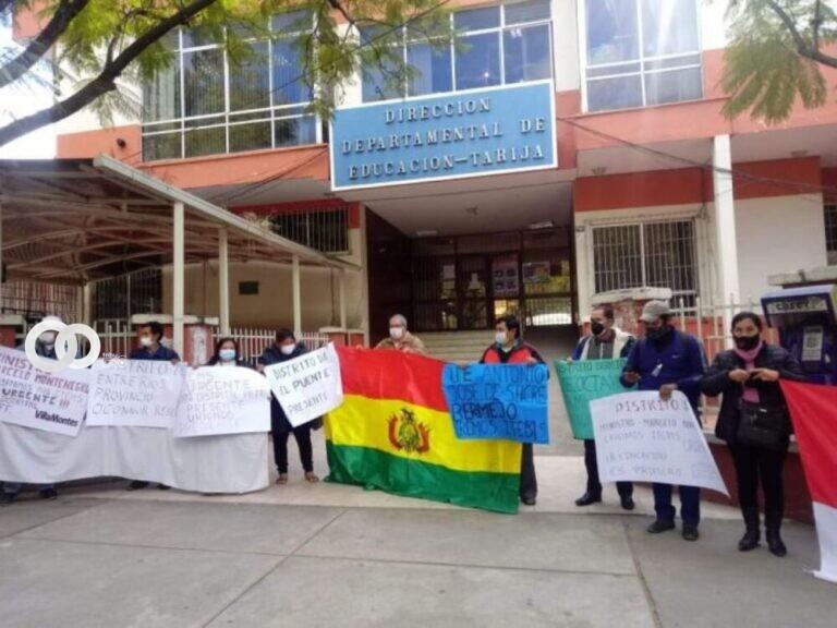 Padres de familia realizan aportes económicos para pagar a maestros en Tarija