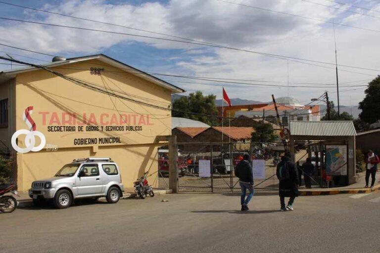 Trabajadores municipales firman acuerdo con la alcaldía y levantan paro en Tarija