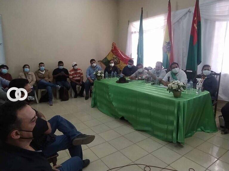Cívicos convocan a un cabildo para defender su territorio