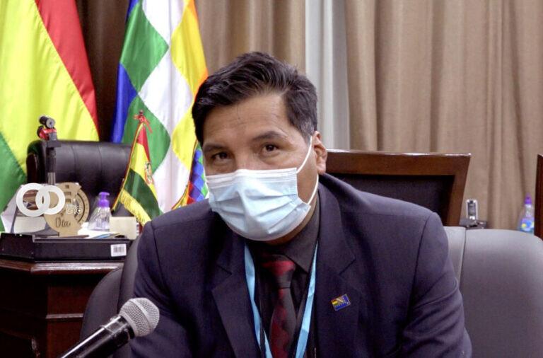 COB sale en Defensa del Ministro de Educación