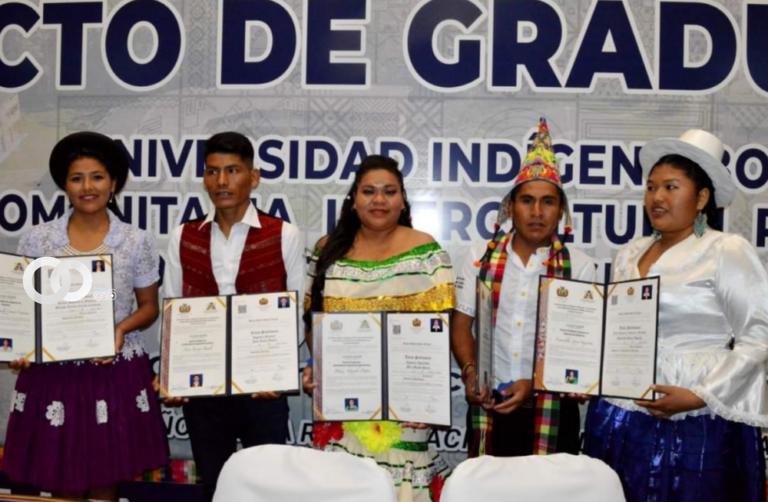 Universidad Indígena Quechua Casimiro Huanca graduó a su décima promoción