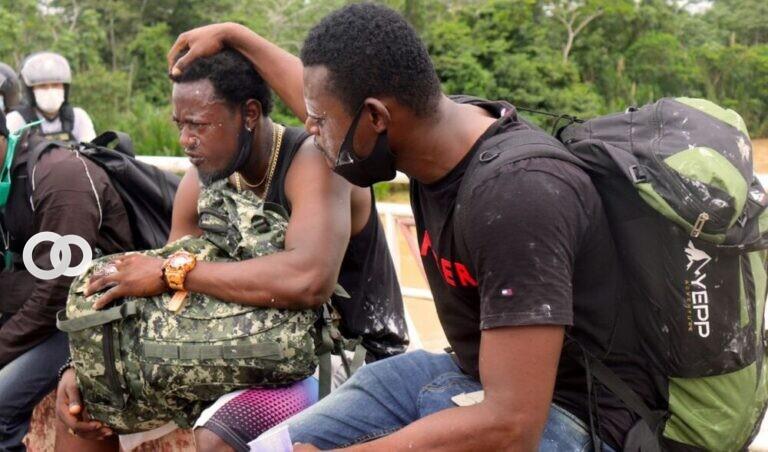 Haitianos detenidos en la frontera con el Perú