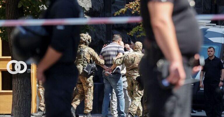 Un hombre amenazó con detonar una granada en la sede del Gobierno de Ucrania