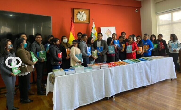 Ministerio de Educación brinda reconocimiento a maestros participantes de Educa Bolivia