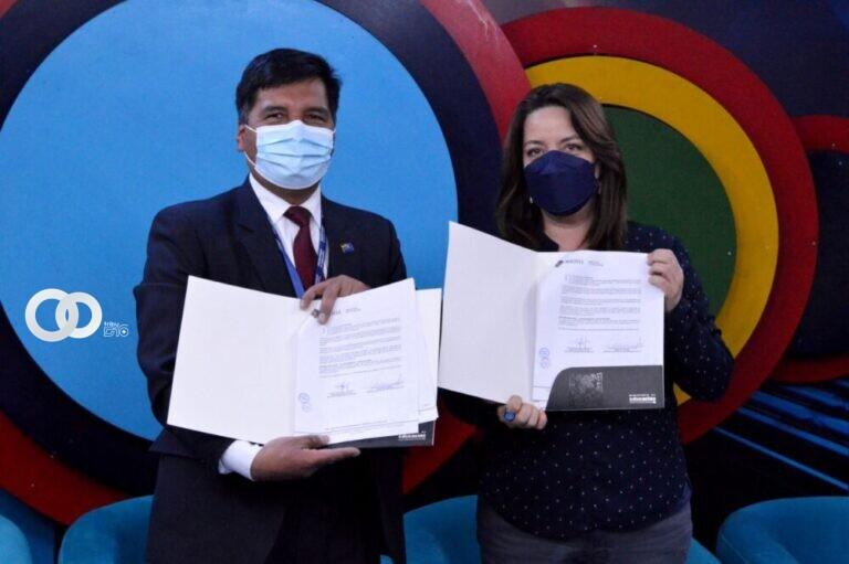 Ministerio de Educación suscribe convenio con Bolivia Tv para certificar a trabajadores de prensa