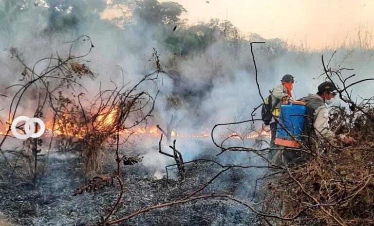 Reportan el primer fallecido por los incendios forestales en Santa Cruz