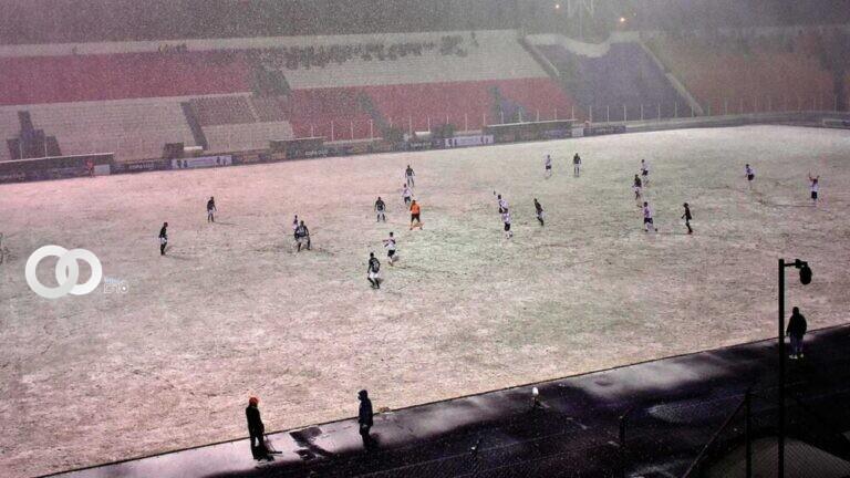 Nacional Potosí y Real Santa Cruz completarán este miércoles los 12 minutos que restan por jugar
