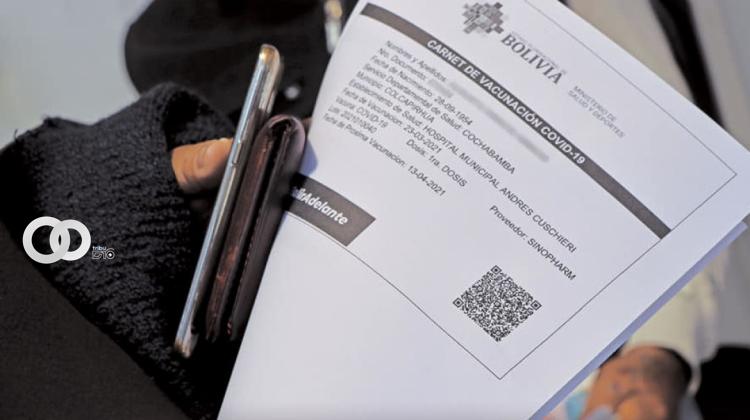 FELCC investigará la venta de certificados de vacunación Covid-19 falsificados