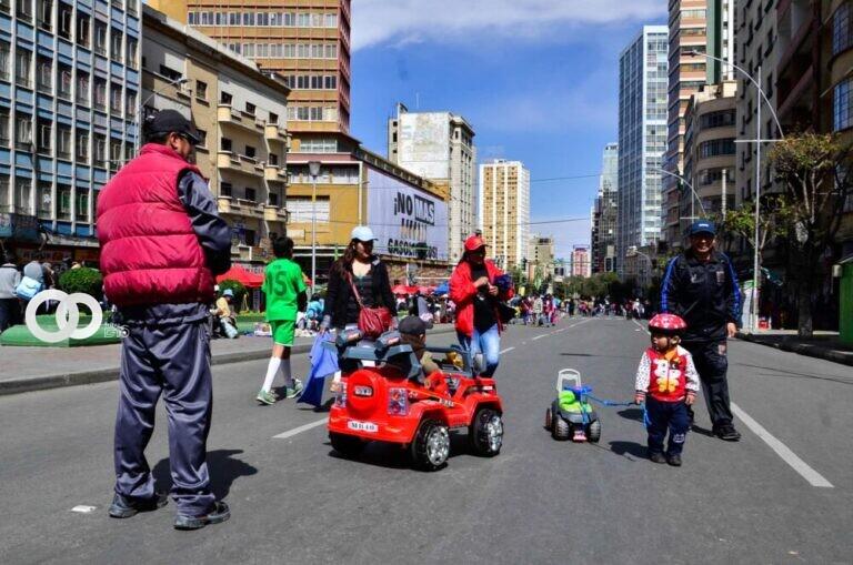 Día del Peatón: habilitan plataforma para tramitar permisos de circulación vehicular y vacunación móvil Covid-19