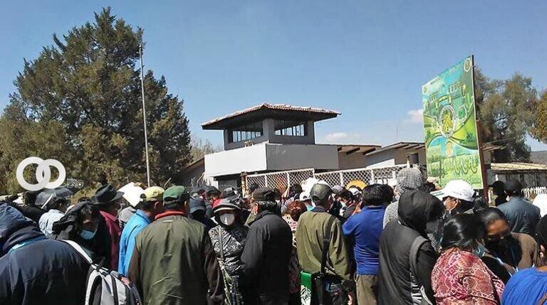 Cochabamba: se dieron protestas por los padres de familia a falta de cupos para el servicio militar