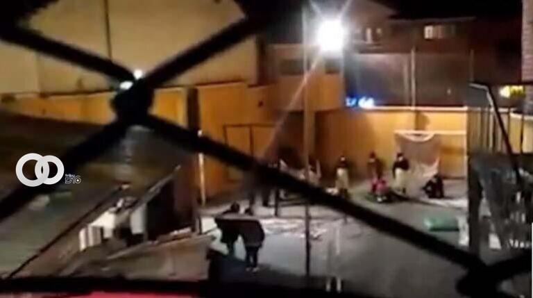 """Senadora denuncia que Gobierno moviliza a internas para """"torturar"""" a Áñez"""