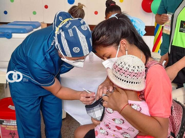 Campaña de vacunación gratuita para prevenir enfermedades en niños y niñas