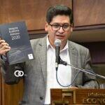 Montenegro presentó los Cuadernos de Investigación Económica Boliviana