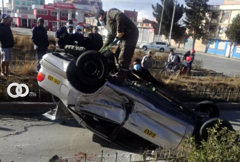 Choque vehícular deja tres heridos en El Alto