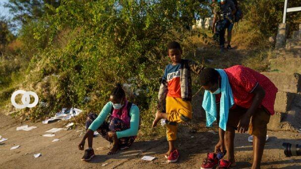 EEUU aumentará «vuelos de deportación» para inmigrantes varados en Texas