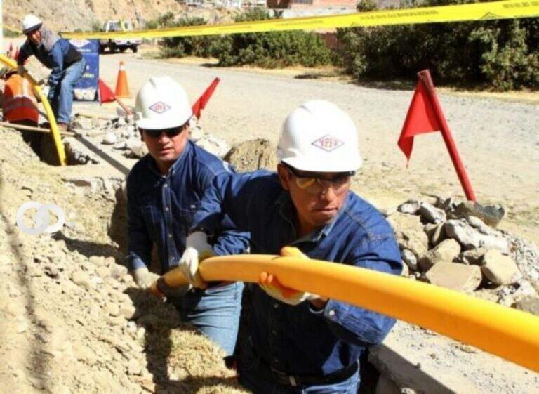 Cochabamba se beneficia en el instalado de redes de gas en el distrito 9