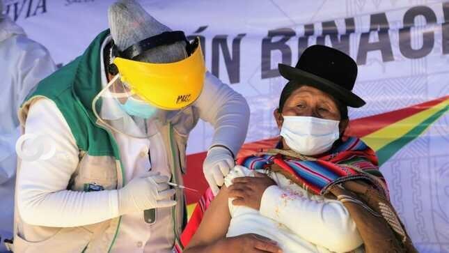 El Alto y zonas rurales reportan incremento significativo de vacunación Covid-19